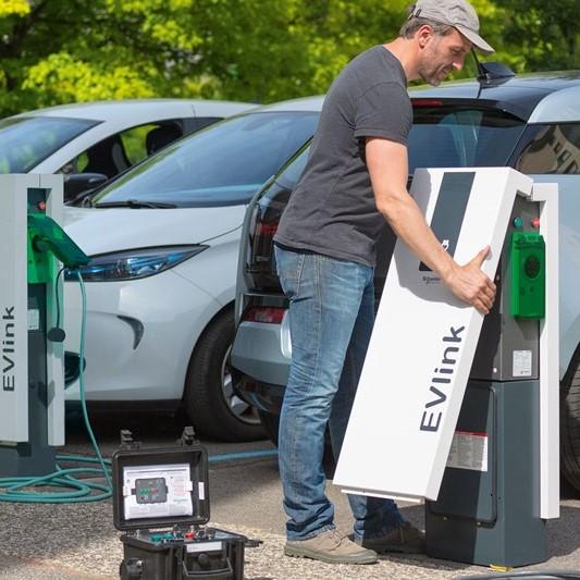 Установка зарядной станции для электромобилей